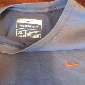Nike Shirts - Men's Nike tshirt
